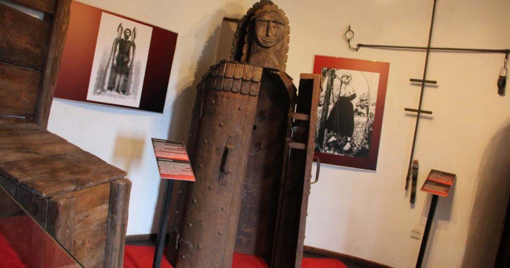 За средновековни мъчения