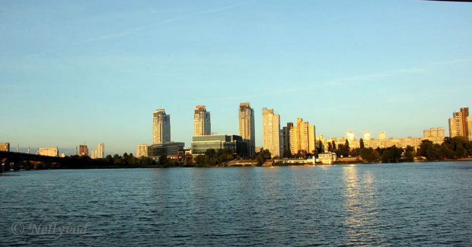 Киев Поглед от Днепър