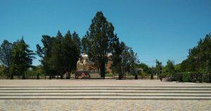 Площадът на с. Кулеча с паметник на св. св. Кирил и Методий