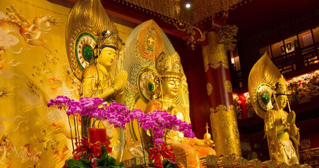 Храмът на хилядата буди