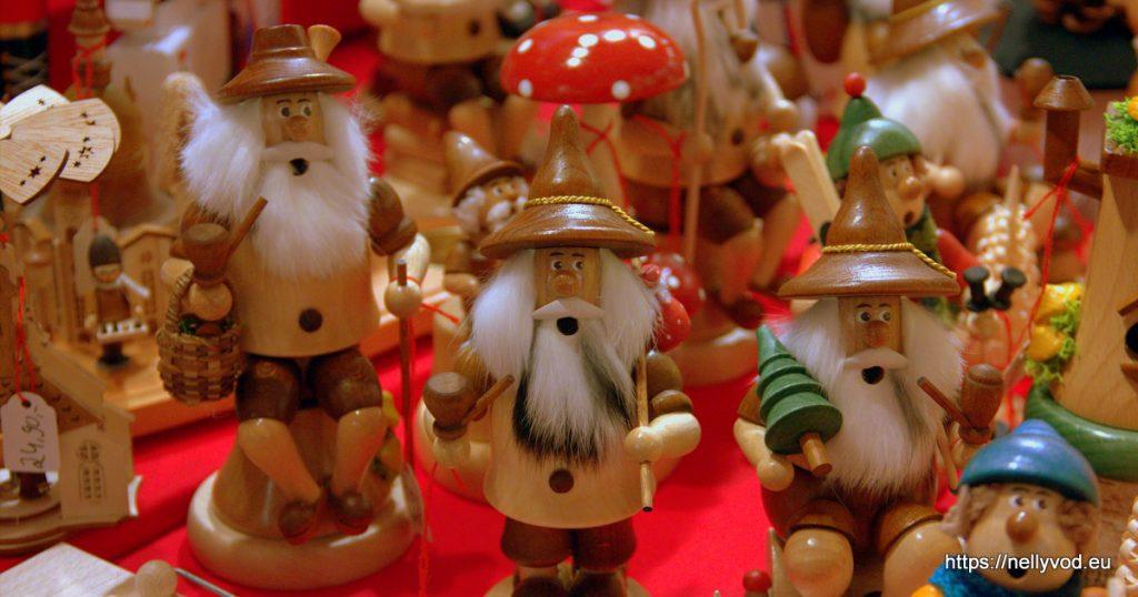 Коледни човечета играчки