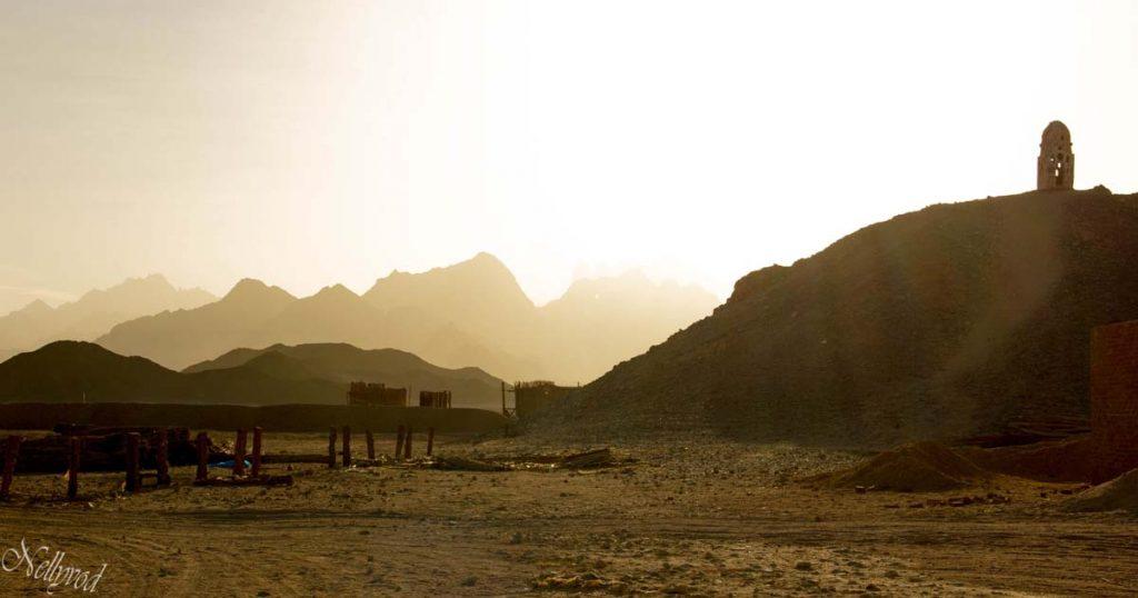 Червените планини в Арабската пустиня
