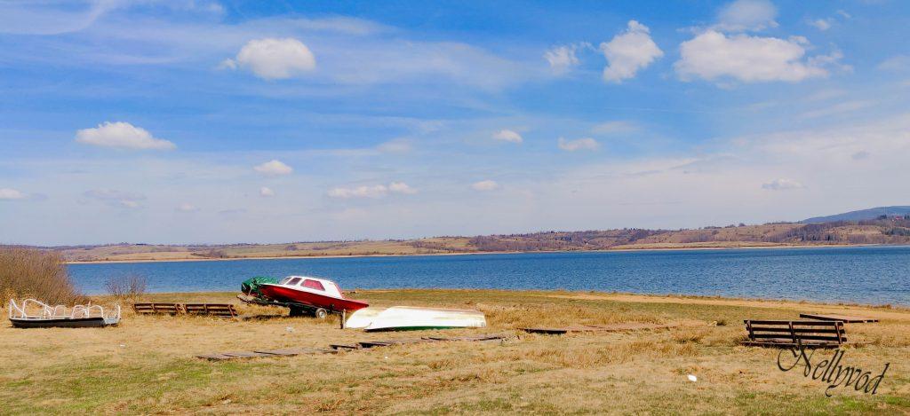 Снимки от брега на езерото